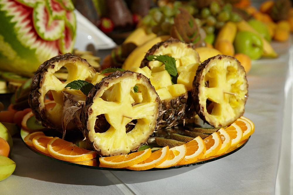 caruta ornamentala facuta din ananas