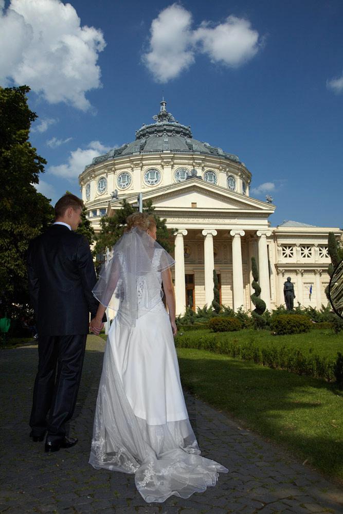 locatie in apropierea Ateneului Roman aleasa de fotograful de nunta