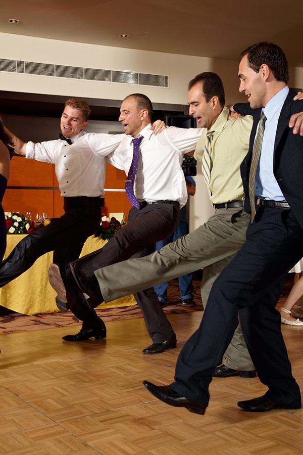 miscare ampla a picioarelor la dans