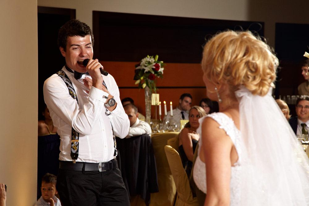 cantaret la nunta