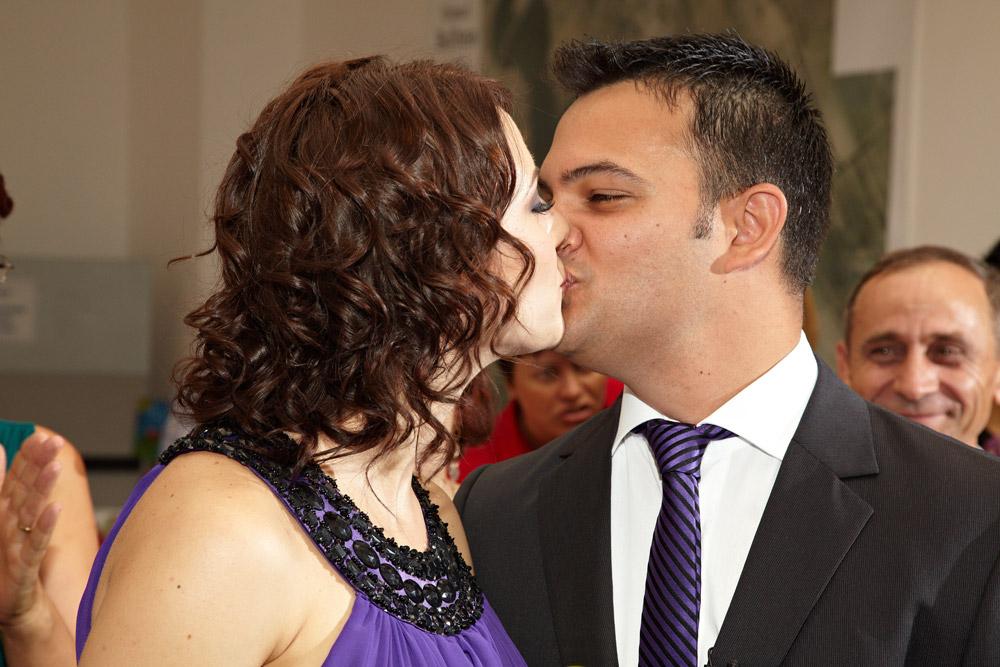 dupa DA sotul poate sa-si sarute sotia