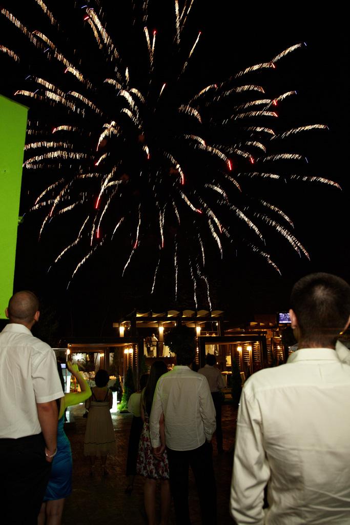 artificiile sunt spectaculoase la nunta