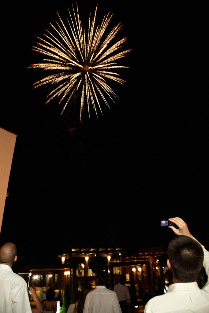 artificiu papadie la nunta