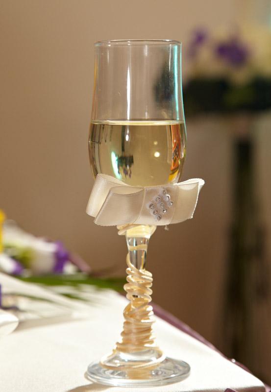 paharul de sampanie folosit la nunta