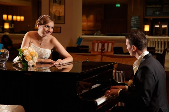 fotografie de nunta la etaj in hotelul Marriott