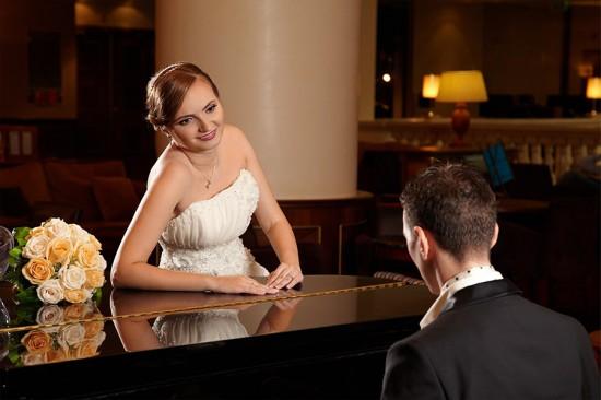 mireasa admirand mirele la pian
