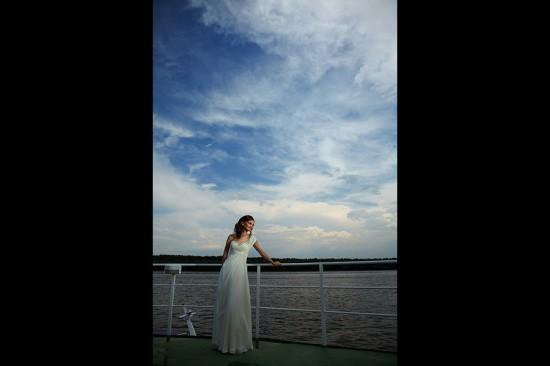 un cer minunat dupa furtuna si mireasa pe vas