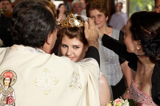 uneori coroana nu se potriveste miresei