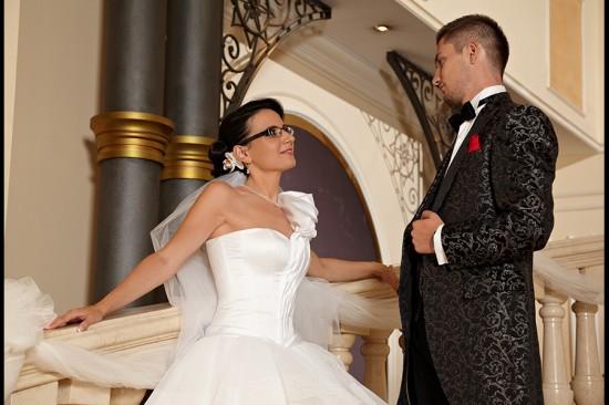 balustrada este un bun suport pentru cuplu