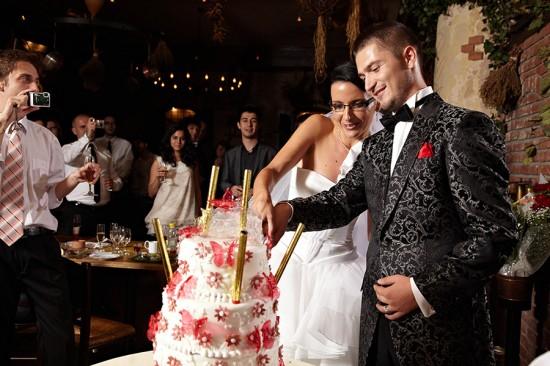 taierea tortului de nunta