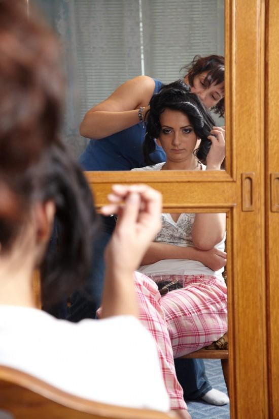 mireasa la coafat, in oglinda