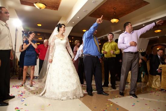 dans la nunta