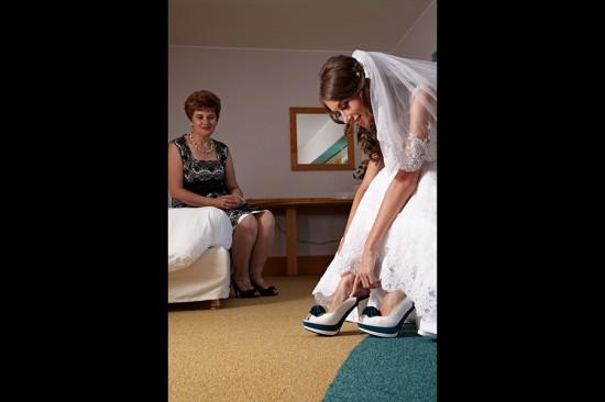 mireasa se pregateste de nunta