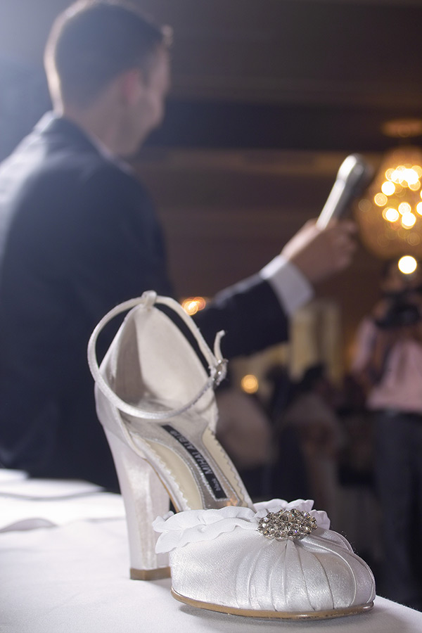 pantoful adus ca dovada pentru mireasa furata